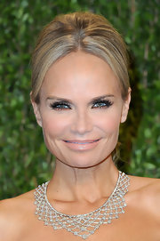 Kristin Chenowith donned a diamond collar necklace for her glamorous Oscar-party look.