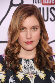 Greta Gerwig's curly side-parted 'do at the YouTube Music Awards had a retro-glam feel.