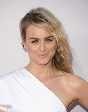 Taylor Schilling attended the American Music Awards rocking a punky side sweep.
