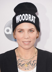 Skylar Grey hit the American Music Awards red carpet wearing a hip-hop beanie.