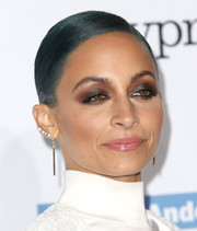 Nicole Richie was a little heavy-handed with the brown eyeshadow.