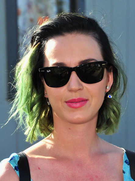 Katy Perry's Hints of Green