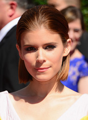 Kate Mara wore her short hair straight and slicked back with a barrette at the Creative Arts Emmy Awards.