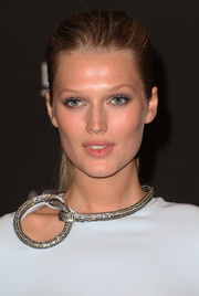 Toni Garrn could get away with minimal makeup, thanks to that perfectly luminous skin.