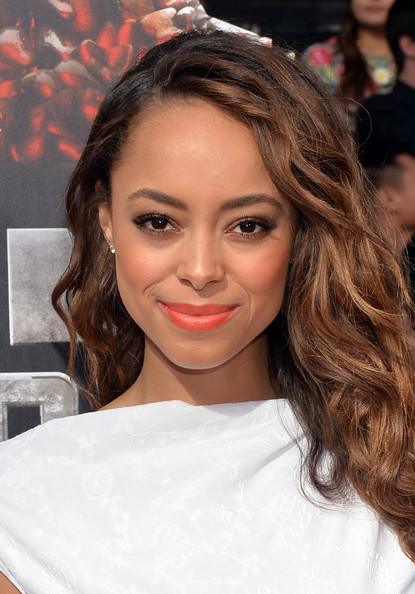 Amber Stevens Best Beauty Looks From The 2014 Mtv Movie