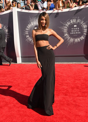 Jourdan Dunn wore a Balmain bandeau top and maxiskirt on the red carpet at the MTV Video Music Awards.