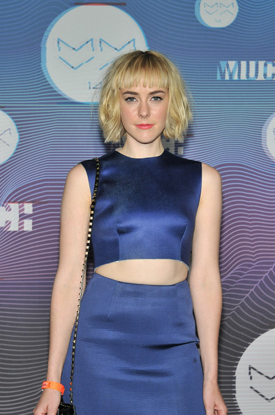 More Pics of Jena Malone Evening Pumps (1 of 6) - Heels Lookbook - StyleBistro [hair,clothing,blond,dress,hairstyle,electric blue,fashion,cobalt blue,crop top,cocktail dress,muchmusic video awards,room,press room,toronto,canada,muchmusic hq,jena malone]