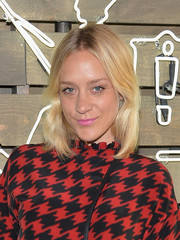 Chloe Sevigny's subtly wavy, center-parted hairstyle at the Coach Summer Party had a '70s feel.