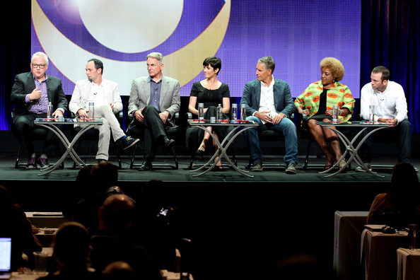 More Pics of Zoe McLellan Short Cut With Bangs (1 of 7) - Zoe McLellan Lookbook - StyleBistro [event,convention,performance,audience,academic conference,music,conversation,stage,news conference,talent show,mark harmon,gary glasberg,jeffrey lieber,creator,actor,actors,l-r,panel,the beverly hilton hotel,summer tca tour]