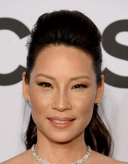Lucy Liu looked fabulous with her pompadour ponytail at the Tony Awards.