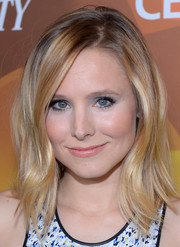 Kristen Bell looked cute and trendy with her wavy layers at the Variety Breakthrough Awards.