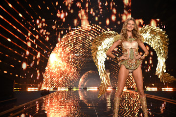 Must-See Photos from the Victoria's Secret Fashion Show 2014