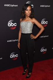 Kerry Washington teamed her jumpsuit with a pair of strappy black pumps by Christian Louboutin.