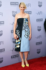 Jenna Elfman kept it classy at the AFI Life Achievement Award Gala in a Teatum Jones beaded strapless dress in two shades of blue.