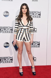 Hailee Steinfeld put on a leggy display in a Zuhair Murad striped romper during the American Music Awards.