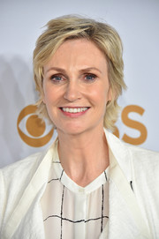 Jane Lynch sported a casual razor cut at the 2015 CBS Upfronts.