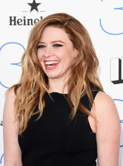 Natasha Lyonne attended the Film Independent Spirit Awards wearing her hair in edgy waves.