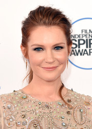 Darby Stanchfield wore a casual yet chic teased ponytail to the Film Independent Spirit Awards.
