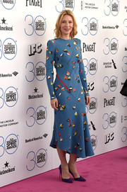 Cate Blanchett added an extra pop of color with a pair of purple pumps by Brian Atwood.
