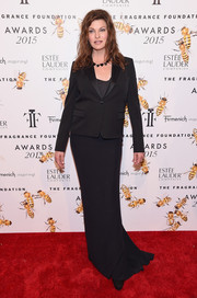 Linda Evangelista kept it simple in a black tux jacket layered over a column dress at the Fragrance Foundation Awards.