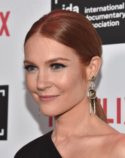 Darby Stanchfield opted for a simple center-parted ponytail when she attended the IDA Documentary Awards.