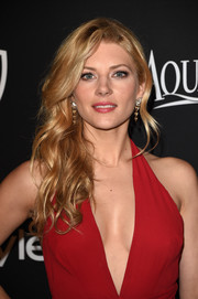 Katheryn Winnick attended the InStyle and Warner Bros. Golden Globes party wearing a wavy side sweep that hovered between sweet and sexy.