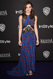 Hailee Steinfeld went for bohemian sexiness at the InStyle and Warner Bros. Golden Globes party in a Stella McCartney paisley-print design with see-through mesh and lace inserts.