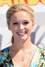 Greer Grammer looked very pretty with her loose ponytail at the MTV Movie Awards.