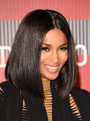 Ciara sported a very neat center-parted lob at the MTV VMAs.