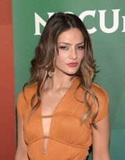Sandra Vergara styled her hair with glamorous, piecey waves for the NBCUniversal Summer Press Day.