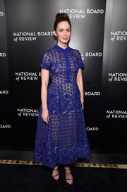Emily Blunt looked adorable in a cobalt lace macrame shirtdress by Elie Saab at the National Board of Review Gala.