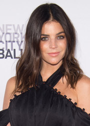 Julia Restoin-Roitfeld stuck to her usual center-parted waves when she attended the New York City Ballet Fall Gala.