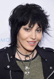 Joan Jett attended the 2015 To the Rescue! New York Gala wearing a messy short 'do.