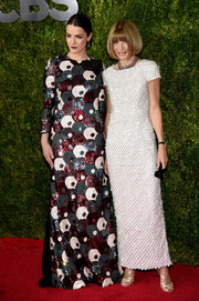 Bee Shaffer went for mod glamour at the Tony Awards in a Marc Jacobs sequined gown rendered in a circular motif.