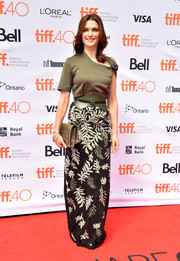 Rachel Weisz elevated the T-shirt to red-carpet heights with this asymmetrical olive-green number by Louis Vuitton during the TIFF premiere of 'The Lobster.'
