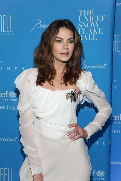 More Pics of Michelle Monaghan Gemstone Brooch (1 of 2) - Michelle Monaghan Lookbook - StyleBistro [clothing,shoulder,hairstyle,premiere,dress,long hair,electric blue,brown hair,cocktail dress,fashion design,michelle monaghan,cipriani wall street,new york city,unicef,snowflake ball]