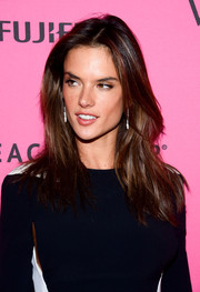 Alessandra Ambrosio kept it casual with this loose center-parted style at the Victoria's Secret fashion show after-party.