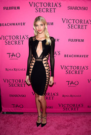 This curve-hugging lace-up LBD by Bao Tranchi made sure all eyes were on Devon Windsor during the Victoria's Secret fashion show after-party.