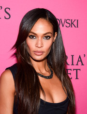 Joan Smalls kept it simple yet elegant with this loose straight style at the Victoria's Secret fashion show after-party.