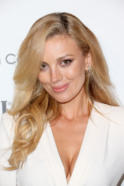 Bar Paly wore her lush locks down with wavy ends during the Weinstein Company and Netflix Golden Globes party.