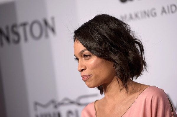 More Pics Of Rosario Dawson Short Wavy Cut 2 Of 11 Short Hairstyles Lookbook Stylebistro