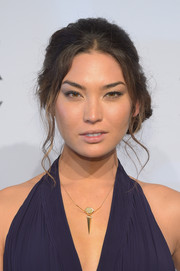 Hana Mayeda went for retro elegance with this teased side chignon at the amfAR New York Gala.