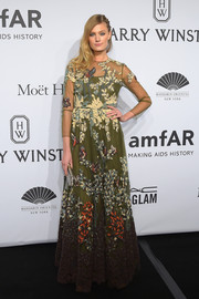 Constance Jablonski looked modest yet elegant in an embroidered green Valentino gown at the amfAR New York Gala.