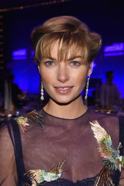 Jessica Hart went for vintage charm with these victory rolls when she attended the amfAR New York Gala.