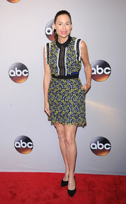 Minnie Driver donned a cute lace mini dress by Self-Portrait for the 2016 ABC Upfront.