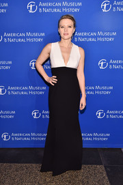 Kate McKinnon went for minimalist elegance in a deep-V black-and-white gown by Jill Jill Stuart at the 2016 American Museum of Natural History Gala.
