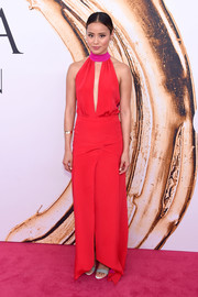 Jamie Chung looked subtly sexy at the 2016 CFDA Fashion Awards in a red Banana Republic halter gown with a keyhole cutout.