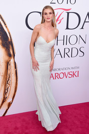 Rosie Huntington-Whiteley looked incredibly svelte in a micro-beaded mint-green slip dress by Michael Kors at the 2016 CFDA Fashion Awards.