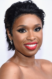 Jennifer Hudson looked punky with her messy, wet-look hair at the 2016 CFDA Fashion Awards.