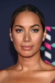 Leona Lewis slicked her hair back into a center-parted chignon for the 2016 CMT Music Awards.